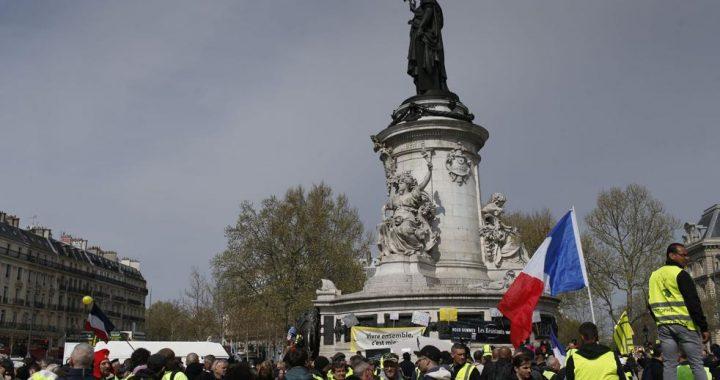 Des manifestants français en costume jaune dans les rues pour le 21e week-end | Nouvelles