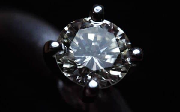 L'héritier de Napoléon récupère une bague volée avec un diamant de la couronne de la dernière impératrice de France
