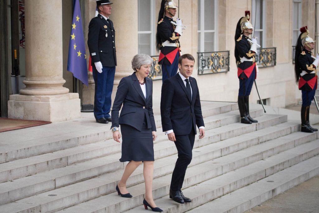 Les entretiens de Theresa May avec l'Allemagne et la France «humiliants et embarrassants»