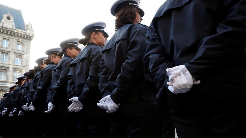 Un nombre croissant de suicides parmi la police française condamnés par un syndicat - RT World News