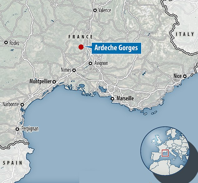 Les gorges de l'Ardèche sont situées dans le sud-est de la France, près d'Avignon, de Nîmes et de Valence.