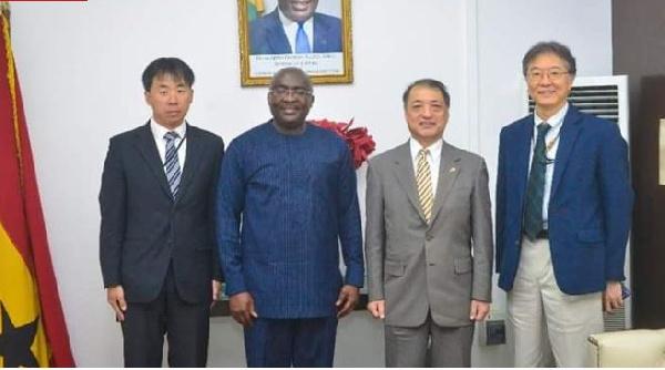 Les émissaires français et japonais en visite à Bawumia