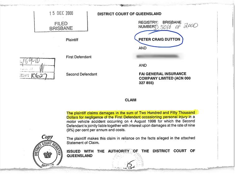 Collage de documents juridiques relatifs à l'accident de voiture de Peter Dutton alors qu'il était en service en tant qu'agent de police