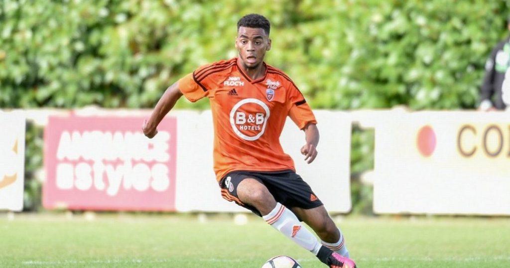 Nouvelles des transferts d'Arsenal: les artilleurs prêts pour le jeune français Alexis Claude-Maurice