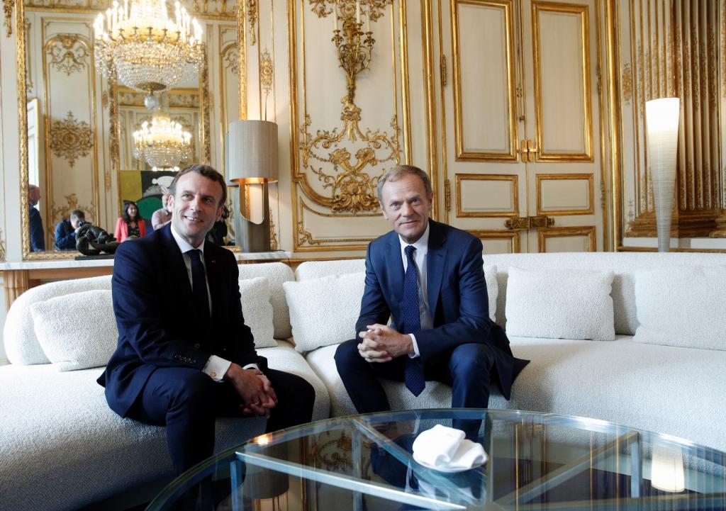 Le Français Macron accuse Bannon et les Russes d'éroder l'Europe