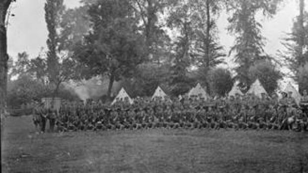Restes d'un soldat de la Première Guerre mondiale découvert en France et identifié comme étant un adolescent de la Colombie-Britannique.