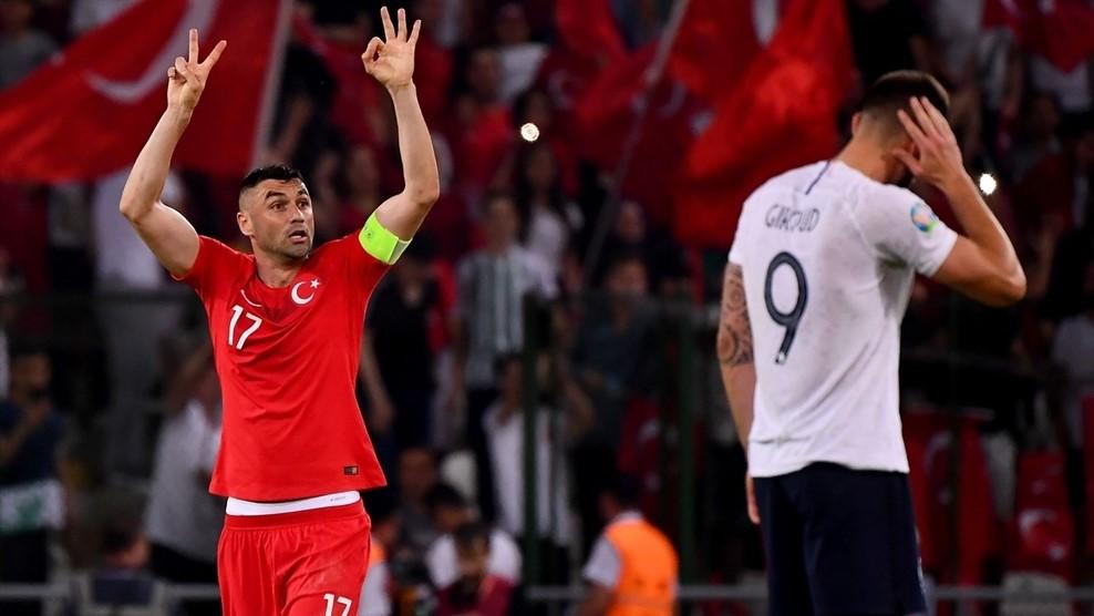 La Turquie qui renaît renverse la France - Qualifications européennes - Actualités