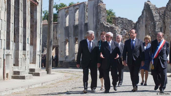Gauck et Hollande à Oradour-sur-Glane en 2013