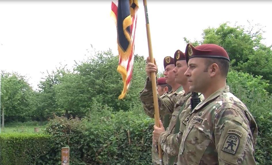 Ft. Les parachutistes de Polk accueillent le mémorial Timmes Orchard en France pour le 75e jour