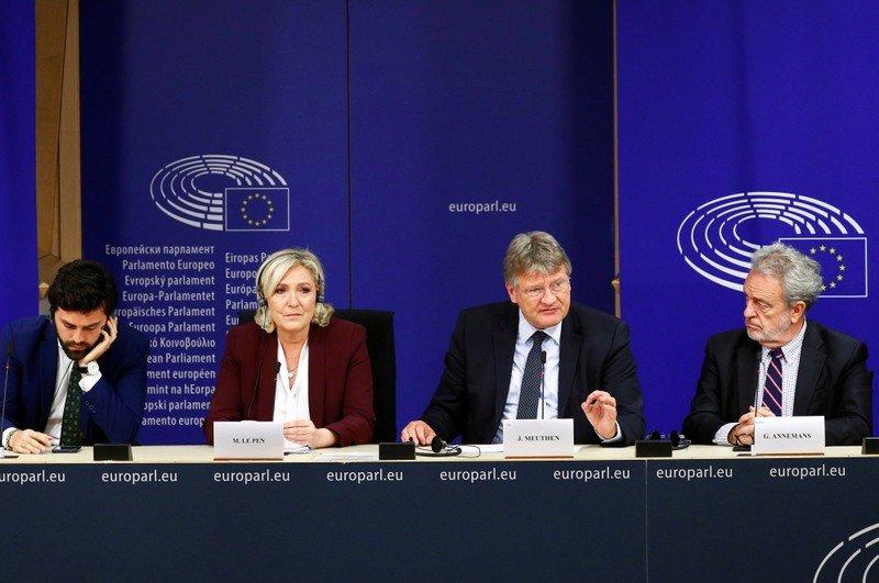 Le Pen dévoile son nouveau groupe d'extrême droite au Parlement européen | Nouvelles du monde