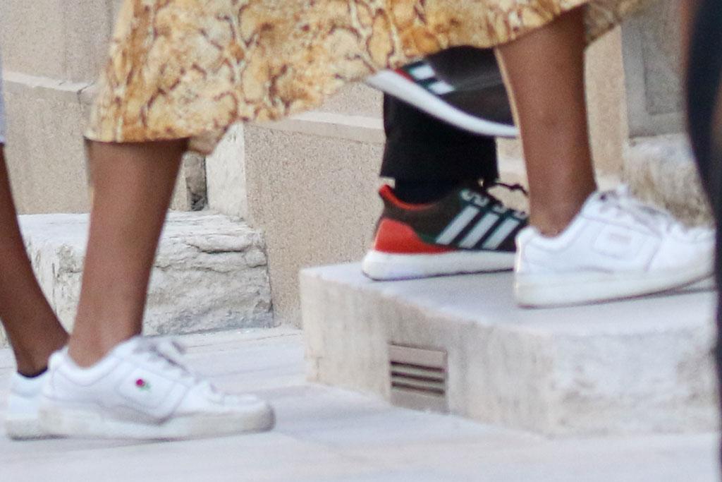 Sasha Obama, style baskets, baskets uniformes blanches à la rose, avignon, france, style vacances
