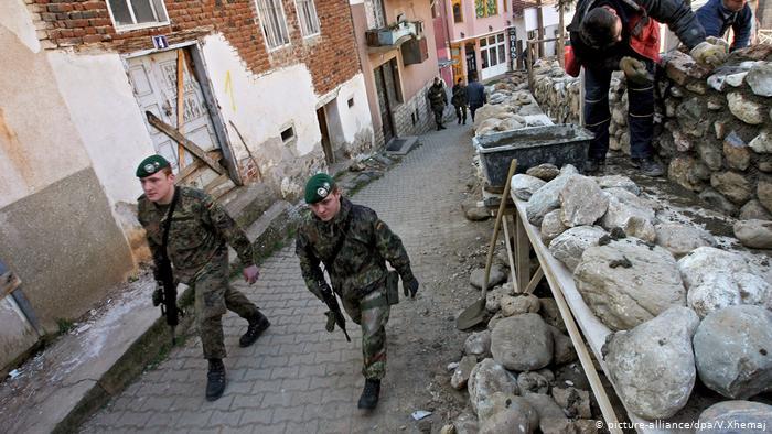 OTAN Kosovo (picture-alliance / dpa / V.Xhemaj)