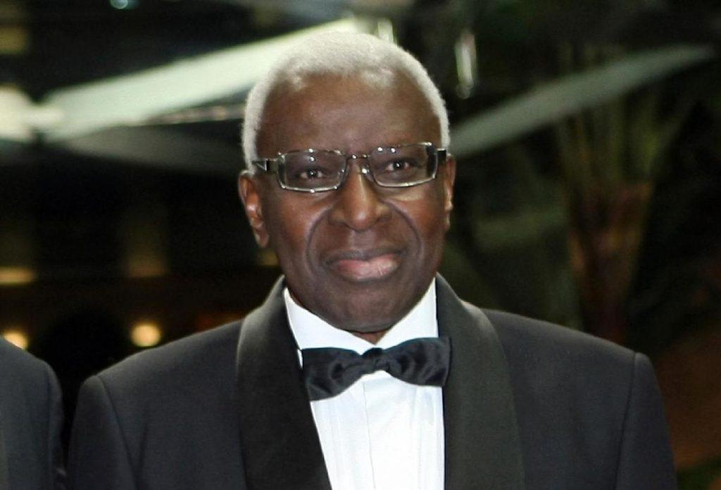 France va essayer l'ancien patron de l'IAAF, Diack et son fils | Nouvelles sportives