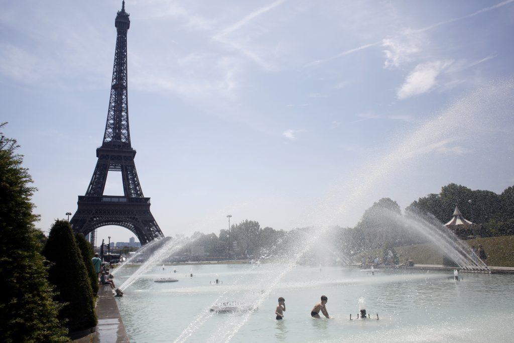 La vague de chaleur extrême en Europe persistera en Espagne et en France après que de nombreux pays ont atteint des sommets sans précédent pour juin