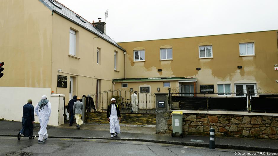 Une fusillade à la mosquée française blesse un célèbre imam de Brest | Nouvelles | DW
