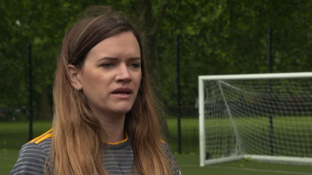 Coup d'envoi de la Coupe du Monde Féminine en France - Channel 4 News