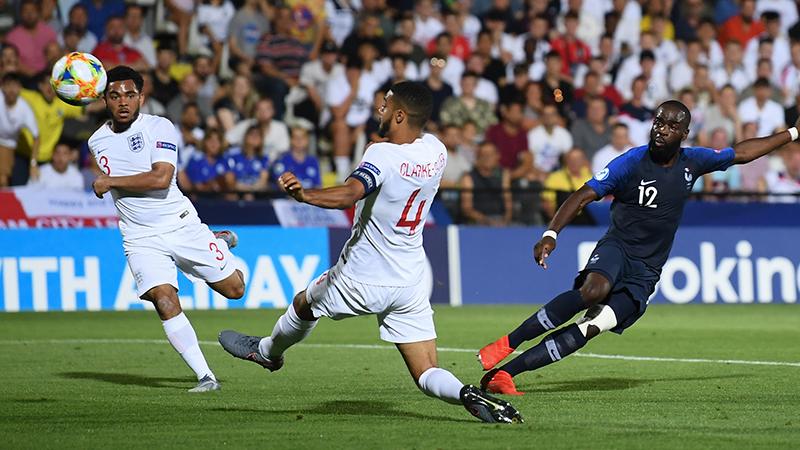 L'Angleterre des moins de 21 ans perd le match d'ouverture face à la France par 2-1
