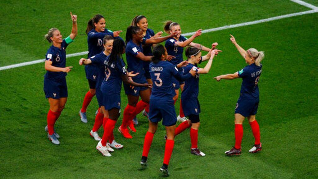 La France gagne avec la trésorerie de la Coupe du monde et des problèmes de visibilité