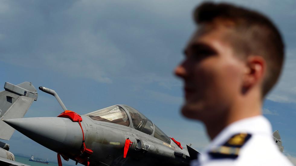 La France met en garde le chef du Pentagone de ne pas entraîner l'OTAN dans une action militaire contre l'Iran - Reportage - RT World News