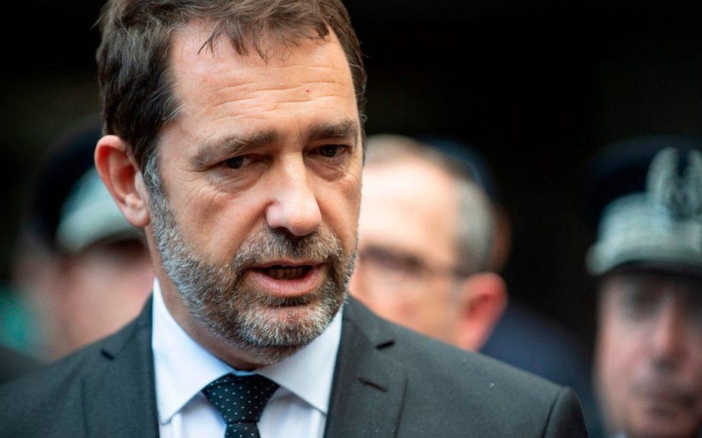 La France pourrait introduire des quotas d'immigration, déclare le ministre de l'Intérieur