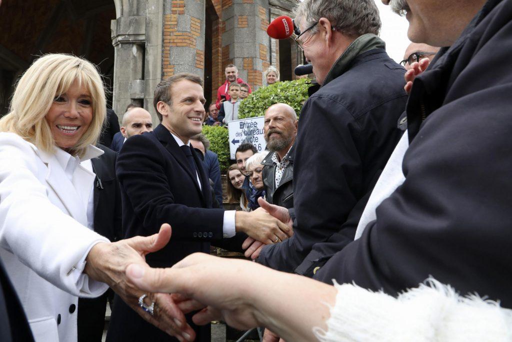 La première dame française Brigitte Macron déteste le mot 'cougar'
