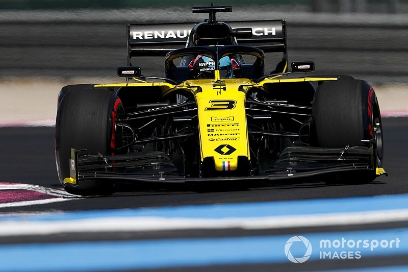 """Drivers not fond of """"melted chocolate"""" soft tyre in France"""