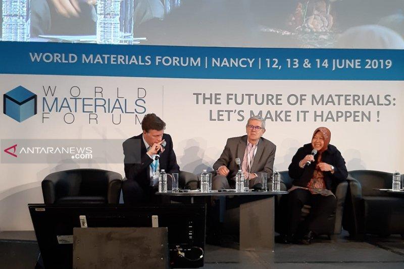 Surabaya Mayor parle de la gestion des déchets en France