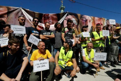 """Un ministre français ne regrette pas le traitement des manifestations contre le """"gilet jaune"""" malgré des blessures"""
