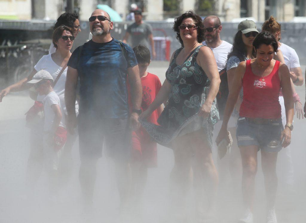Paris brise une température sans précédent alors qu'une vague de chaleur meurtrière s'empare de l'Europe
