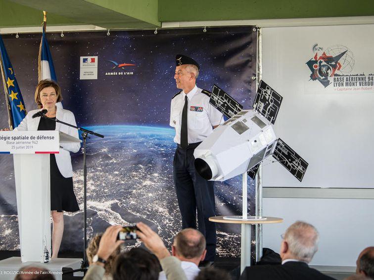La France travaille sur un nouveau laser spatial pour aveugler les satellites voyous