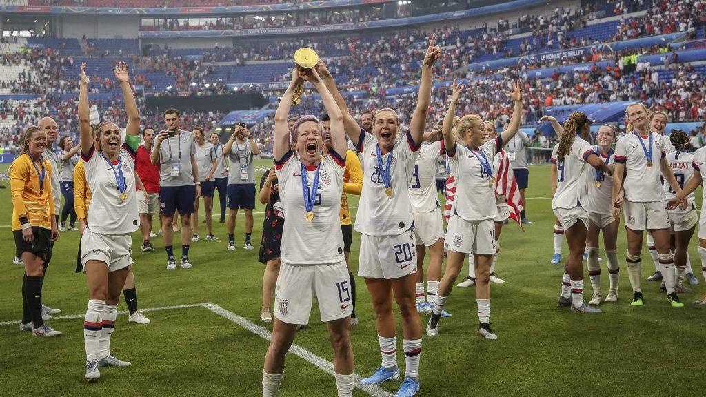 Coupe du Monde Féminine de la FIFA 2019 ™ - Actualités - Célébrités impressionnées par les États-Unis à quatre