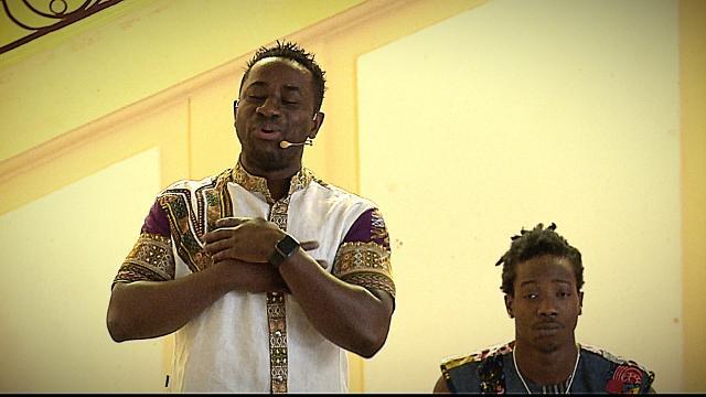 De la Côte d'Ivoire à la France, un réfugié raconte une histoire musicale | Nouvelles