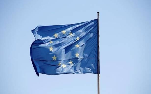 """La France maintient son objectif de créer une """"armée européenne"""""""