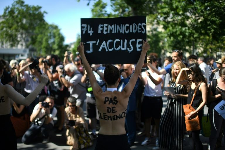 More than 1,200 women protested in Paris on Saturday after a woman was found murdered by her partner, the 75th such case this year (AFP Photo/Martin BUREAU)