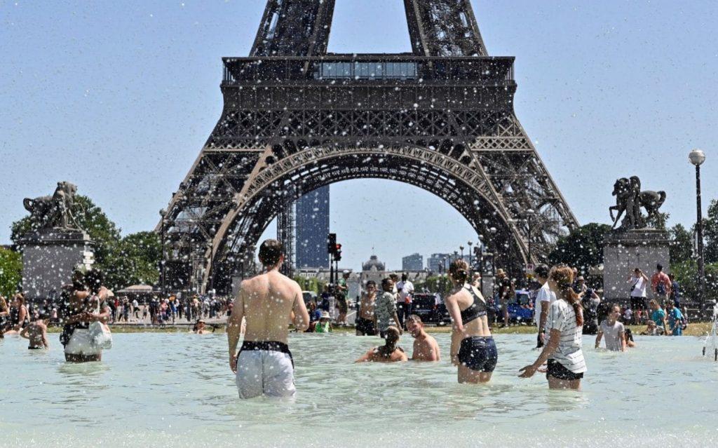 La France se prépare à la deuxième vague de chaleur face aux craintes d'un pic de pollution