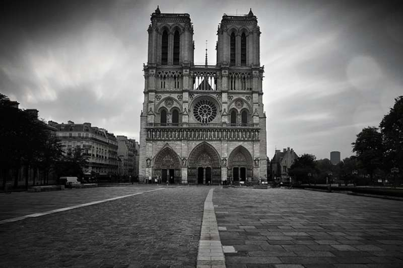 Notre-Dame de Paris. Credit: Sacha Fernandez via Flickr (CC BY-NC-ND 2.0). Filter added.