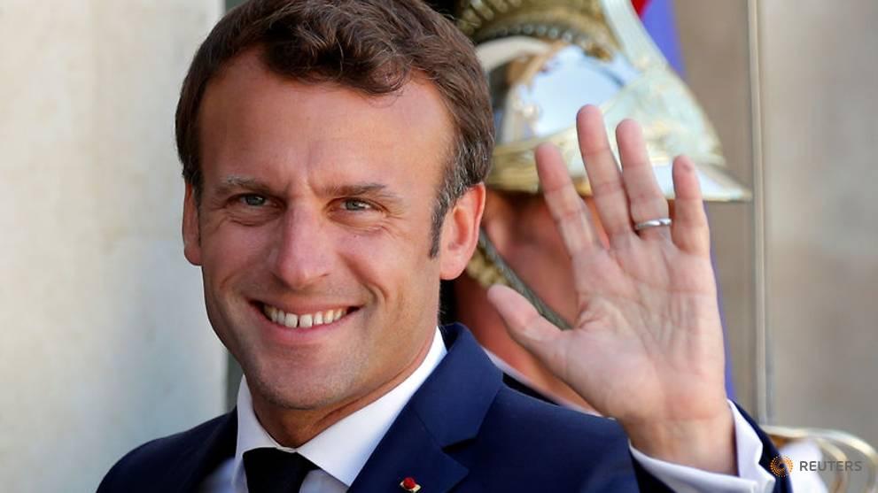 Macron se tourne vers les mairies françaises pour s'installer