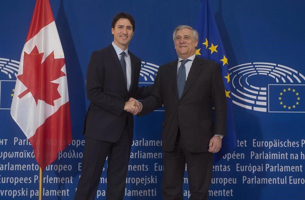 Trudeau va pousser le pacte commercial au sommet des dirigeants européens alors que la France avance sur le CETA