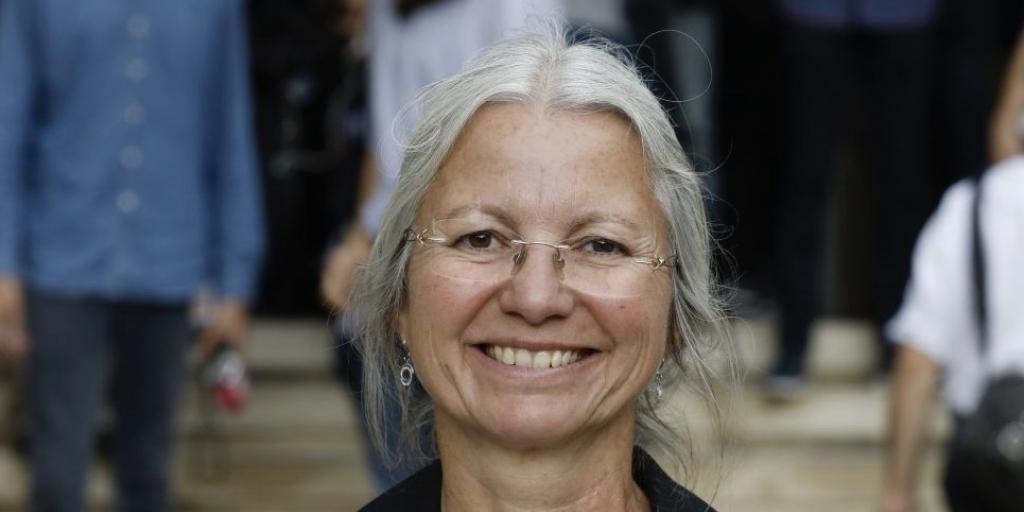 Un politicien français exclu d'un parti pour son opposition à une loi permettant à des lesbiennes de procréer artificiellement | Nouvelles